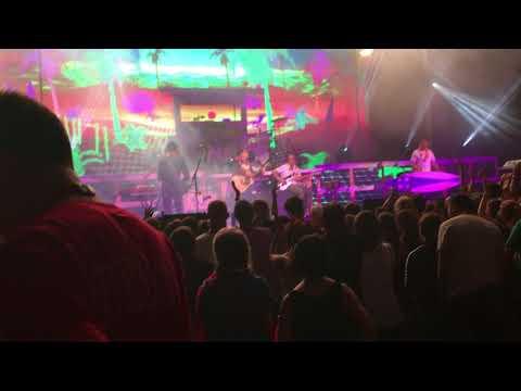 Weezer Live Island In the Sun