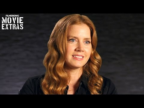 Arrival | On-set visit with Amy Adams 'Dr. Louise Banks'