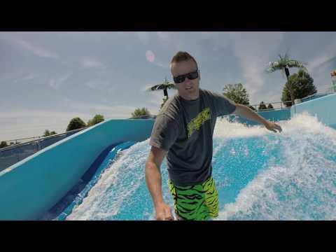 "Surfing the flowrider Republic Aquatic Center ""The Huna"""