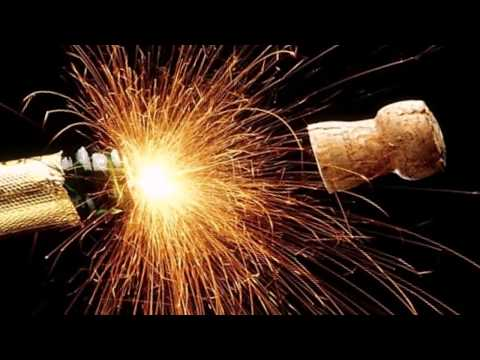 Смотреть новогодние приколы онлайн на Мета Видео бесплатно