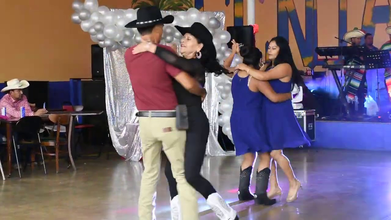 Vamos a Bailar al Estilo Zacatecas!