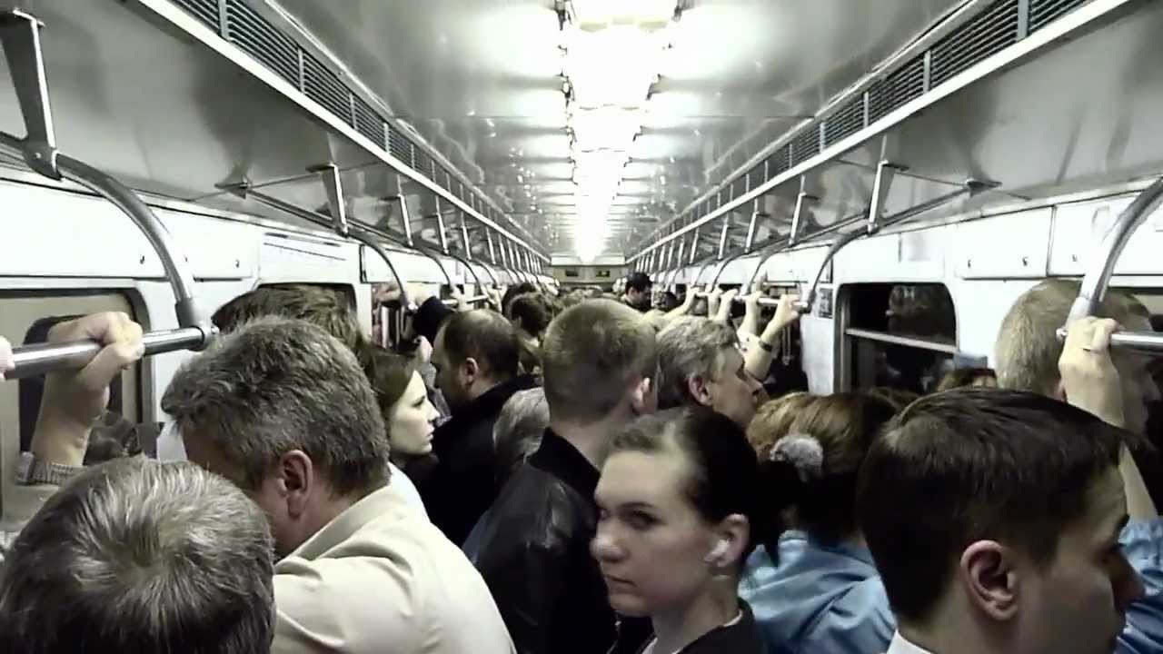Приставания к девушкам в автобусе россия видео
