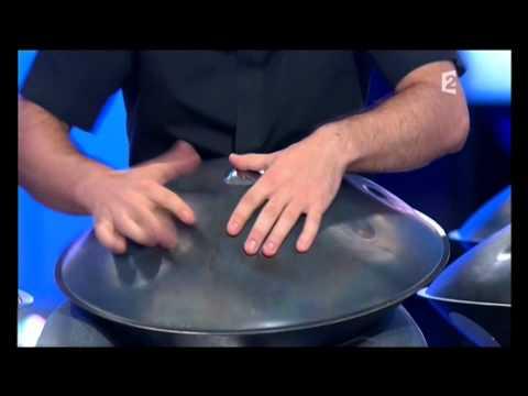 Manu Delago - (Hang) -  Mono Desire - La boîte à musique - Jean François Zygel - 26-08-2010.wmv
