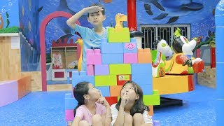 Kids Go To School Play Puzzle Lego at Children's play Area & Home Ball Finger Family Childrens Song