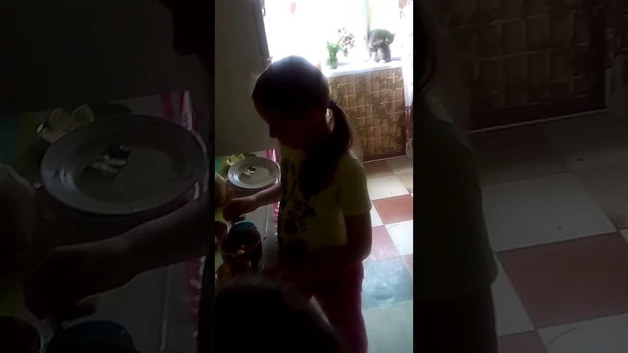 Моя сестра мешает что то скрытая камера