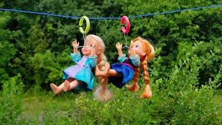 Zipline ! Elsa & Anna toddlers - Barbie - fun adventure - Lego