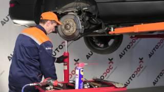 Kuinka vaihtaa etu-alatukivarsi AUDI Q7 4L -merkkiseen autoon OHJEVIDEO | AUTODOC