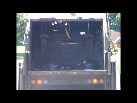 Rear Loader Garbage Truck Packing
