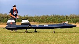 sr71 blackbird lockheed yf 12 gigantic rc turbine model jet flight euroflugtag 2016