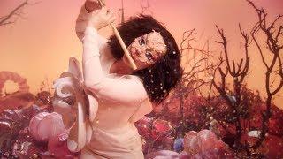 فلوت بيورك يناديكم من عالم آخر في Utopia | في الفن