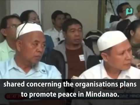 Mindanao Peace Agreement Signing Between Catholic Islam Man Hee Lee