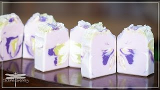 Making Lavender And Lemongrass With Aloe Soap