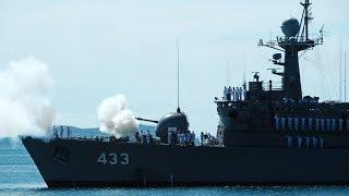 """เรือรบหลวงยิงสลุต 17 นัด ต้อนรับ """"บิ๊กกบ"""" ขึ้นดำรงตำแหน่ง ผู้บัญชาการกองเรือยุทธการ"""