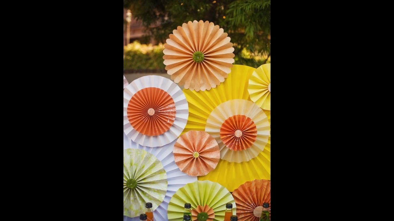 Diy construction paper fan for birthday parties n for Paper decorations diy