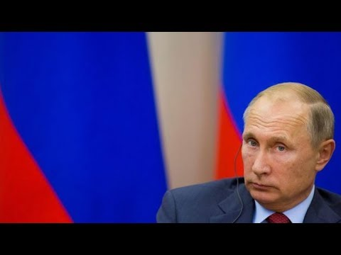 Putin signs law on foreign media registration
