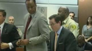 Врач Майкла Джексона не признает себя виновным(, 2010-02-12T14:32:54.000Z)