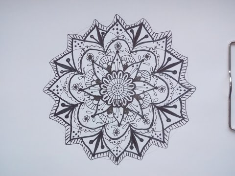 intuitives mandala zeichnen mit filzstift oder fineliner in schwarz wei video tutorial youtube. Black Bedroom Furniture Sets. Home Design Ideas