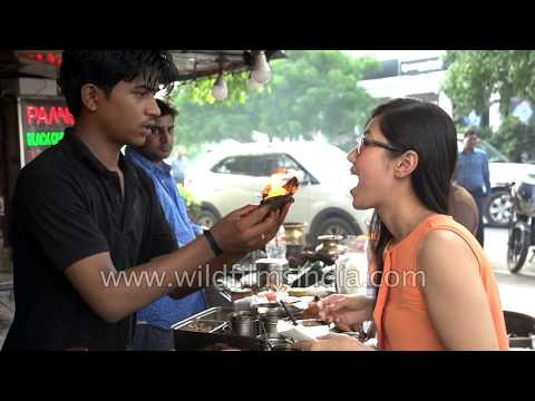 Fire Paan is a new Indian fad: Slow Motion at Connaught Place in New Delhi
