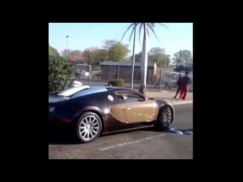 Frank Buyanga's bugatti veyron crossing into South Africa @ Zim border post