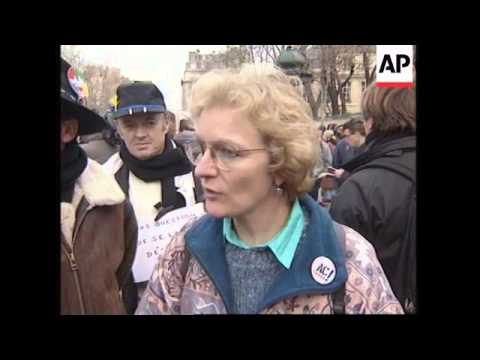 FRANCE: JOBLESS PROTESTERS DEMAND GOVERNMENT FINANCIAL HELP