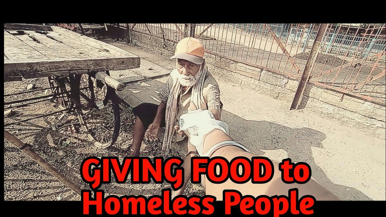 GIVING  FOOD to HOMELESS PEOPLE in LOCKDOWN PERIOD in INDIA 2020 #PVprankTV