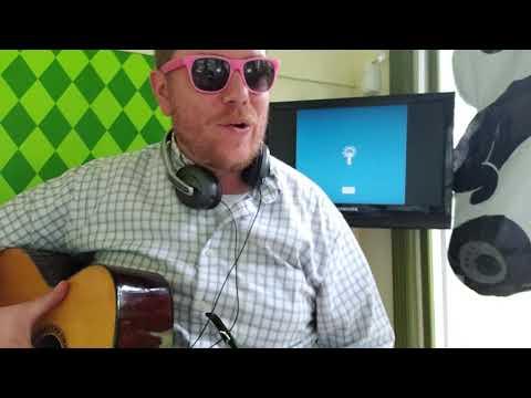 Russ - Paranoid // easy guitar tutorial beginner lesson tabs easy chords strumming pattern