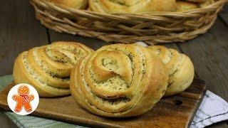 Слоеные булочки с оливковым маслом и ароматными травами