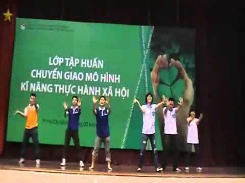 Dân vũ Té nước   Trung tâm HT&PT Thanh niên Hà Nội   Hanoiadc org vn