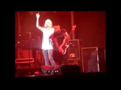 Danielle Bradbery - Set Fire to the Rain live in Billings, MT (8/8/14)