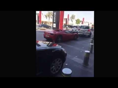 Ferrari 458 Italia Parking at Dubai Mall