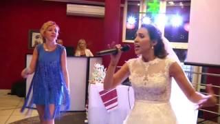 КЛАССНАЯ ПЕСНЯ! ПОДАРОК-Поздравление на свадьбе ОТ НЕВЕСТЫ-