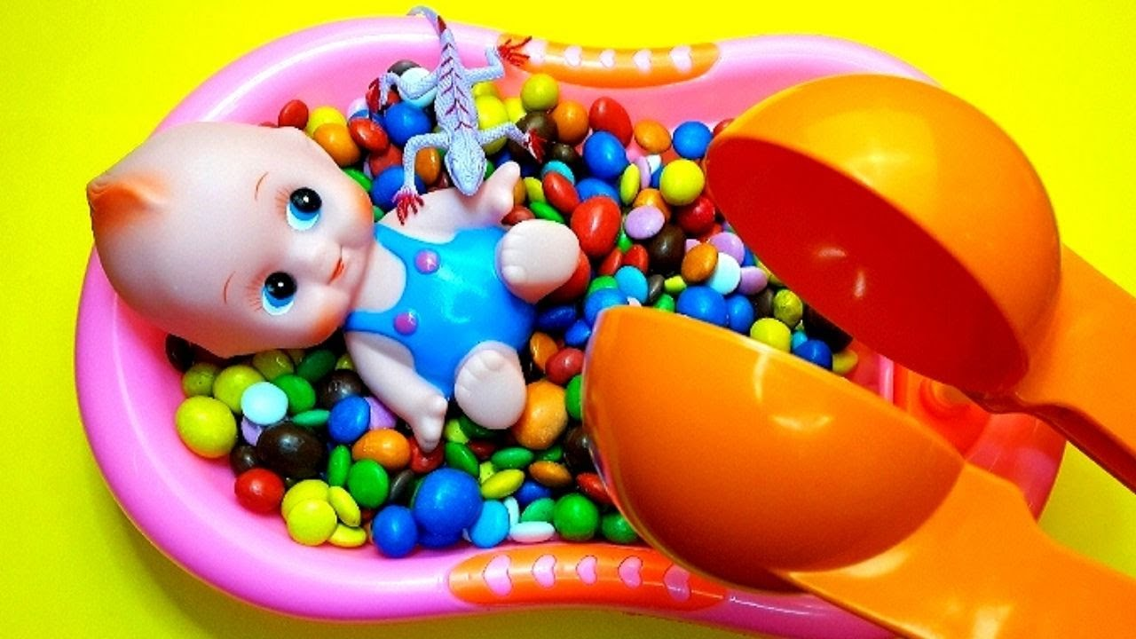 Satisfying Video   Mixing Candy in Rainbow Bathtub with Yummy Color Skittles & Stress Lollipop ASMR