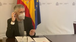 Interior cesa a un oficial de GC enlace en el EMAD por vacunarse junto al JEMAD