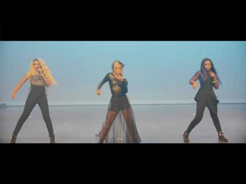 Beyonce -Formation (Glamour Performance)