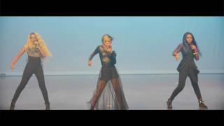 Beyonce -  Formation (Glamour Performance)