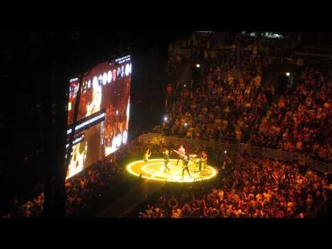 U2 - California (Live in Chicago 07.02.2015)
