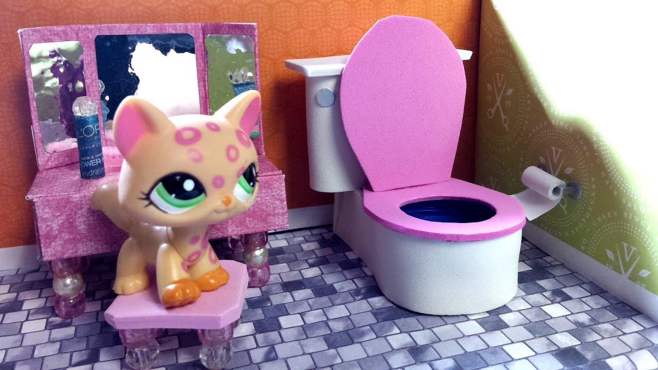 How to make an lps bathroom toilet doll diy youtube for How to make a bathroom