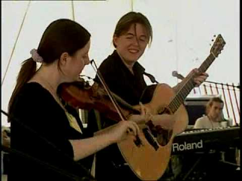 The Wrigley Sisters perform a medley of Orcadian songs at the 2003 Smithsonian Folklife Festival