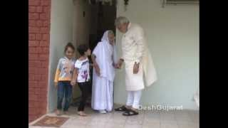 Narendra Modi visits his mother's home in Gandhinagar to seek her blessings on his birthday