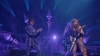 Ésta canción me divirtió mucho, a Sakazaki siempre le toca cantar c...