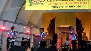 the changcuters main serong indonesia festival japan