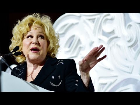 How Bette Midler Turned Hollywood Rejection into 'The Divine Miss M'