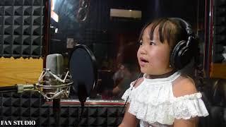 Nổi da gà với bé gái 4 tuổi hát Bolero như ca sĩ chuyên nghiệp│Chờ Người - Cẩm Ngọc