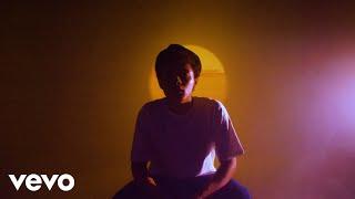 Смотреть клип Isaac Dunbar - Intimate Moments