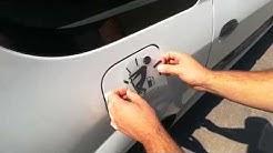 Как се слагат винилови стикери за кола?