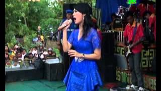 Iis Dahlia Feat Sri Avista Live Show Kedokan Gabus