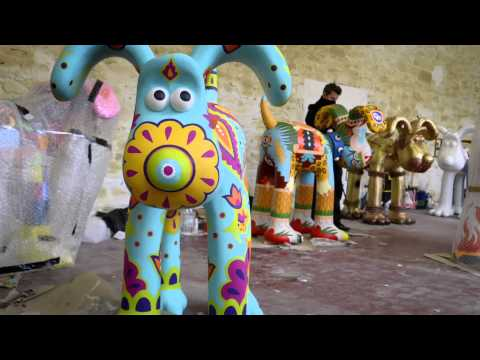 Nia - official artist for the Bristol Gromit Trail