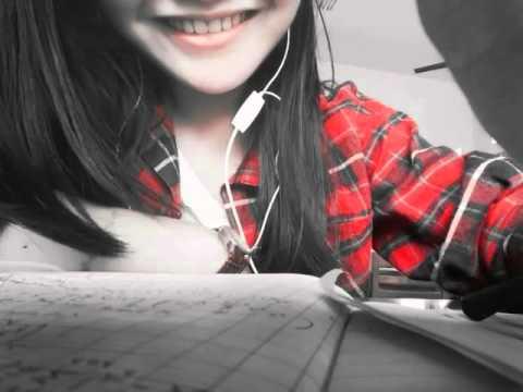 Một nụ cười luôn hé 😀😀😀 thế giới vẫn quay quay quay quay.