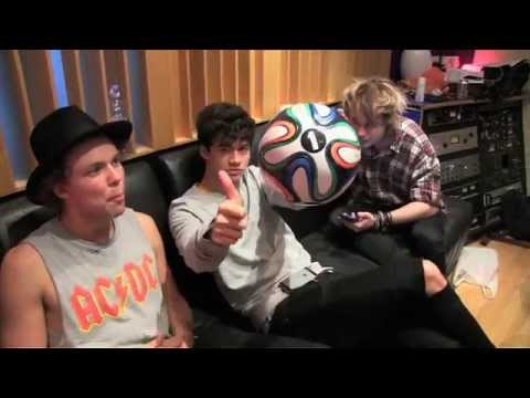 5 Seconds Of Summer featuring Scott Mills  Hearts Upon Our Sleeve