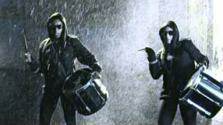 Смотреть клип Tinchy Stryder Ft. Melanie Fiona - Let It Rain